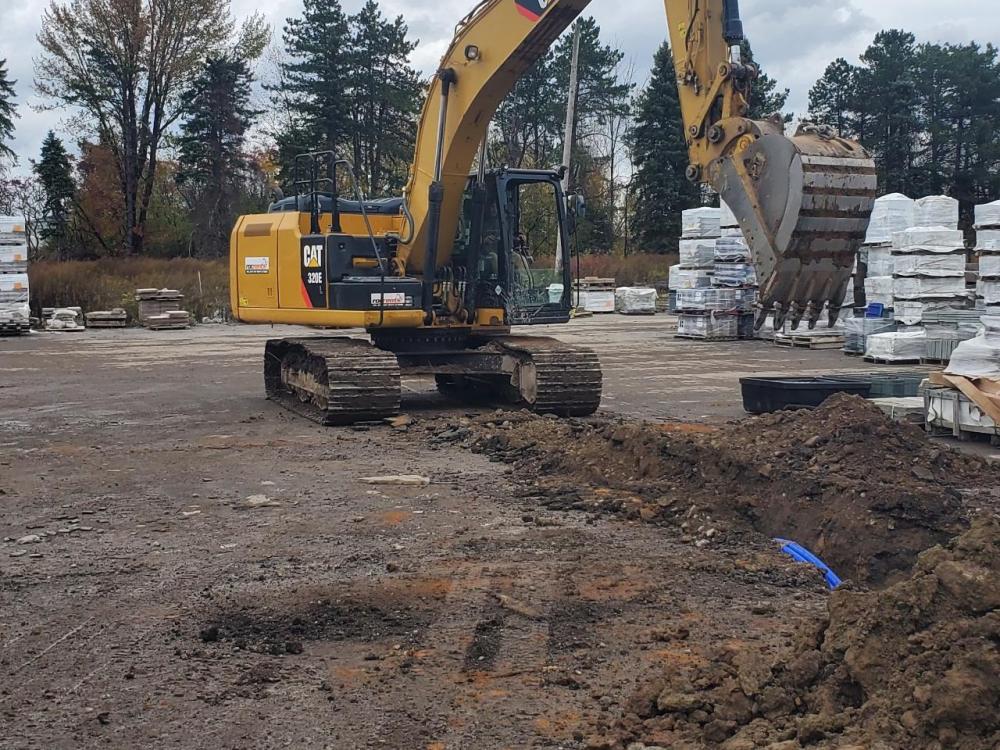 rocrents large excavator rentals